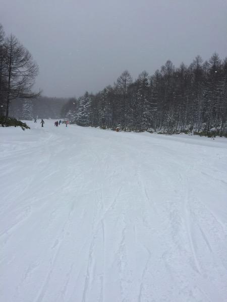 今シーズン初スノーボード!雪が降っていて楽しかった!