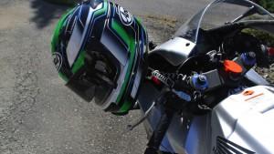 ヘルロックでヘルメットをCBR600RRへ固定してみた。